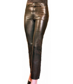 Woman leather pant model tahia