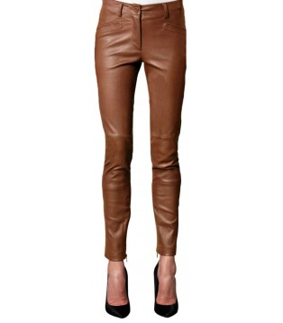 Woman leather pant model Mariana